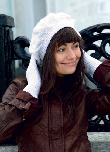 Зимняя шапка, шарф и митенки
