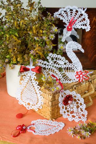Скачайте схемы Украшение «Лебедь», вид рукоделия Ажурное вязание