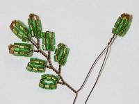 Плетение новогодней ёлочки из бисера
