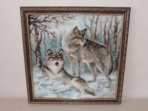 Волки в зимнем лесу, Вышивка крестиком