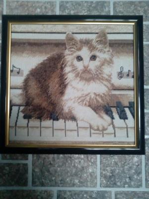 Кот на пианино, Картины и панно