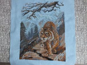 Тигрица в горах, Картины и панно