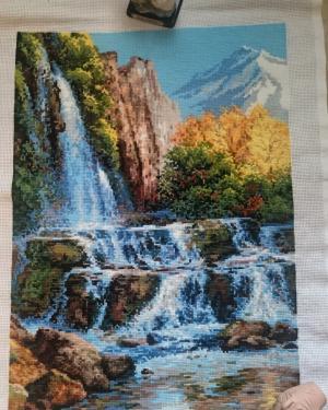 Пейзаж с водопадом , Вышивка крестиком