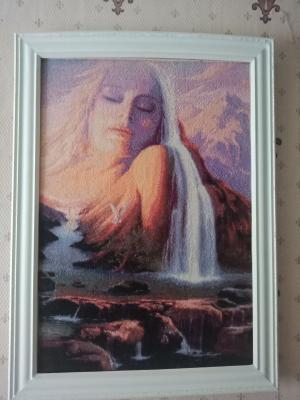 Девушка и водопад, Вышивка крестиком