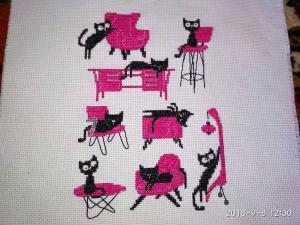 Кошки, Вышивка крестиком
