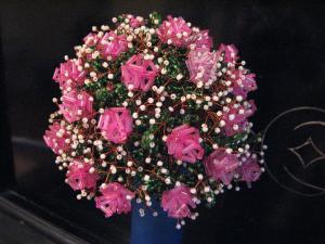 Розовые розы