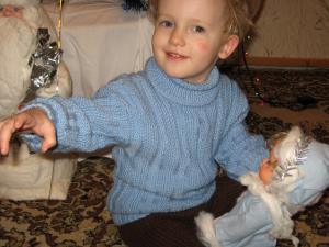 Голубой свитер для малыша!