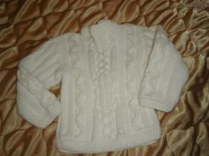 свитер белый