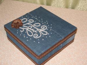 Джинсовая шкатулка с вышивкой из бусин