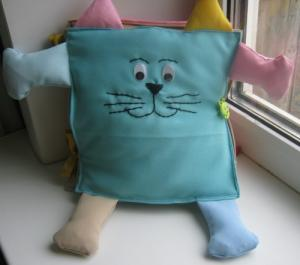 """Развивающая книжка """"Кот"""", Шитьё"""