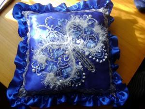 подушка снежная бабочка, Вышивка лентами