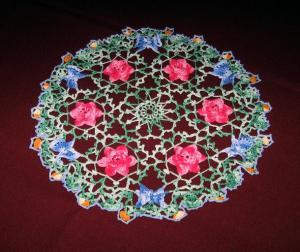 Салфетка с цветами и бабочками